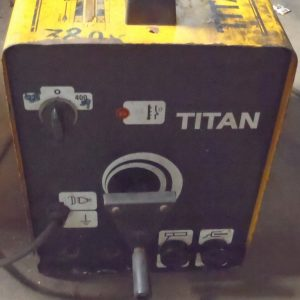 TITAN 255E WELDING MACHINE
